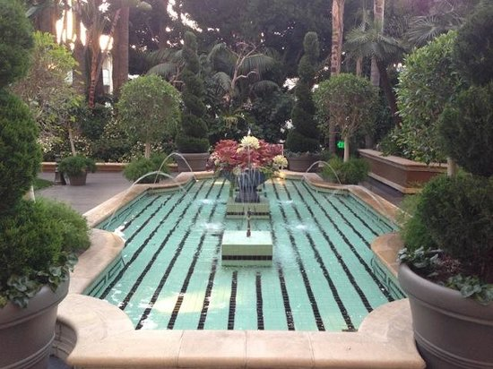 Four Seasons Hotel Los Angeles at Beverly Hills : Tranquil gardens