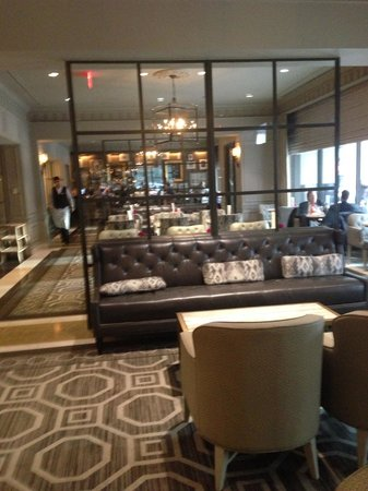 Loews Madison Hotel: Lobby of the madison