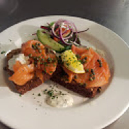 Blarney Castle Hotel: Smoked Salmon on Homemade Brown Soda Bread