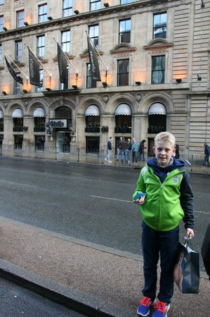Thistle Manchester City Centre, The Portland: My son, Tobias, in front of the hotel