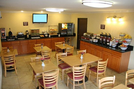 ‪‪Comfort Inn Near Old Town Pasadena - Eagle Rock‬: Breakfast Room‬