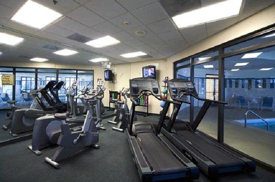 Crowne Plaza Dulles Airport Hotel: Enjoy a workout in our 24-hour fitness center