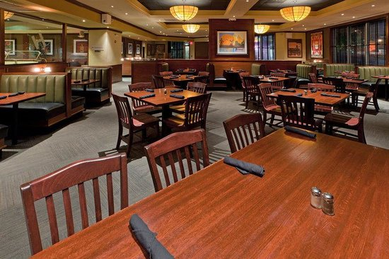 Crowne Plaza Dulles Airport Hotel: Restaurant