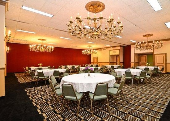 Clarion Hotel & Suites Jackson North : Other Hotel Services/Amenities