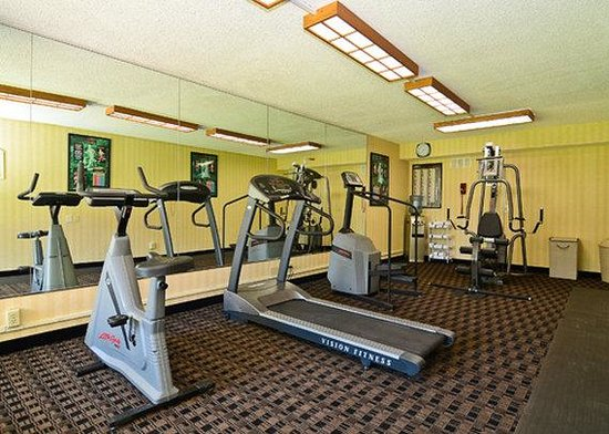 Clarion Hotel & Suites Jackson North: Other Hotel Services/Amenities