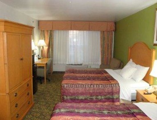 Grandville, MI: Two Queen Bedroom