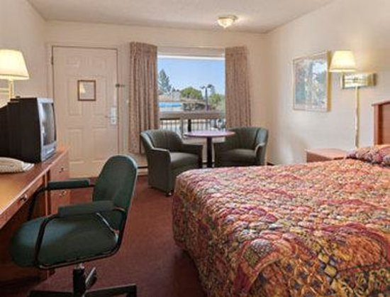 Days Inn Bend: Standard Queen Bed Room