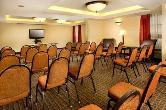 Drury Inn & Suites St Joseph: Meeting Room