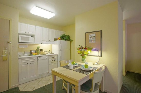 Extended Stay America - Orlando - Lake Buena Vista: Fully-Equipped Kitchens