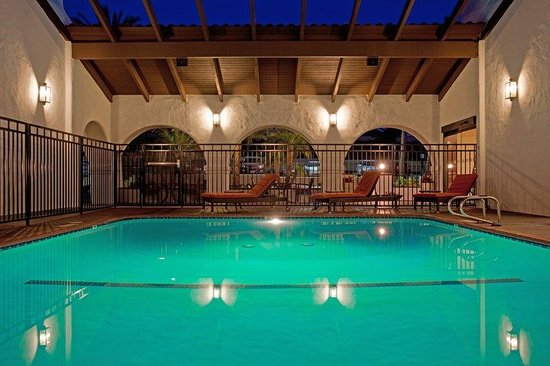 Holiday Inn Express San Clemente North: Out Door Heated Pool. Near Talega Golf Course