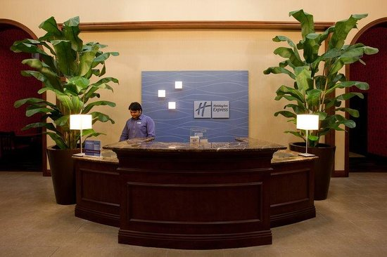 Holiday Inn Express San Clemente North: Front Desk.Near Ocean Institute Dana Point