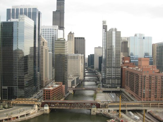 Holiday Inn Chicago - Mart Plaza: river view