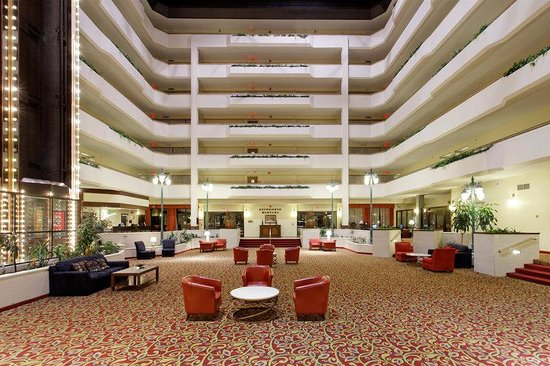 Holiday Inn - The Grand Montana Billings: Hotel Lobby