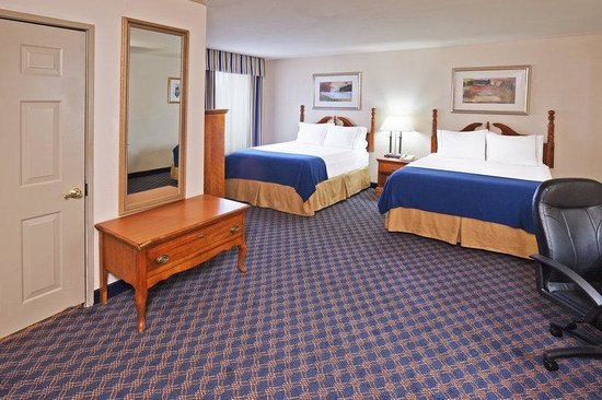 Holiday Inn Express Tulsa - Downtown Area: Double Bed Guest Room