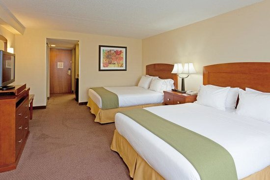 Holiday Inn Express Bethany Beach: Queen Bed Guest Room