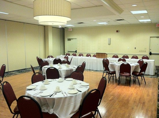 Reception or Meetings are best at the Holiday Inn Weirton