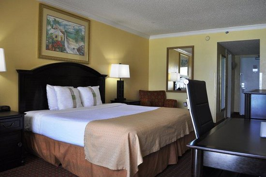 Holiday Inn Resort Fort Walton Beach : King Standard Guest Room