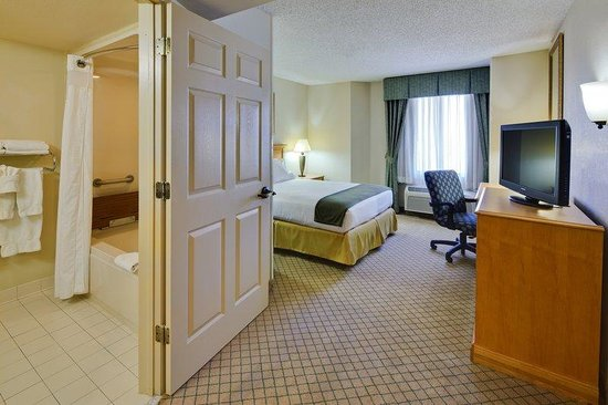 Holiday Inn Express Hotel &amp; Suites Universal Studios Orlando: Accessible Queen Room