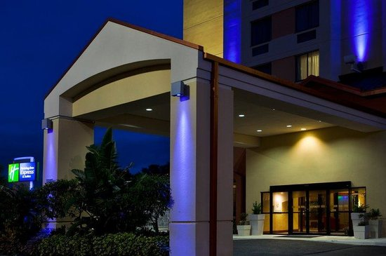 Holiday Inn Express Hotel & Suites Universal Studios Orlando: Holiday Inn Express Nearest Universal Orlando