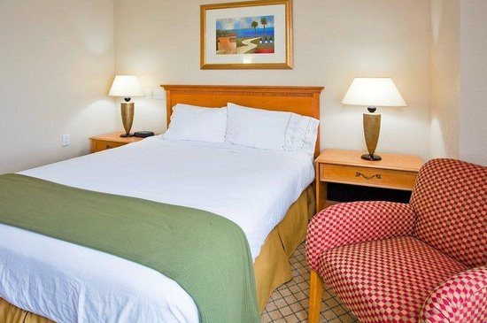 Holiday Inn Express Hotel &amp; Suites Universal Studios Orlando: Single Accessible Room