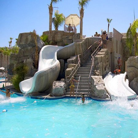 Palm Canyon Resort & Spa: Pool Slide