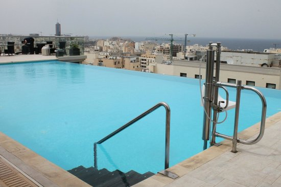 The Palace: The rooftop pool