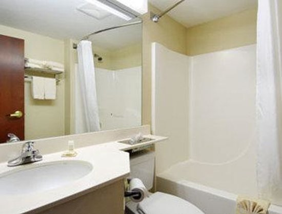 Starkville, MS: Bathroom