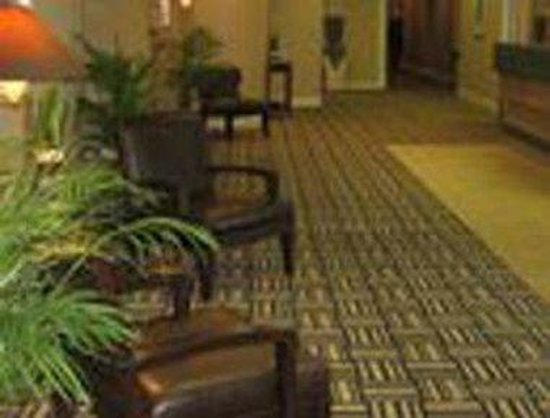 Howard Johnson Plaza Yakima/Near Convention Center: Lobby
