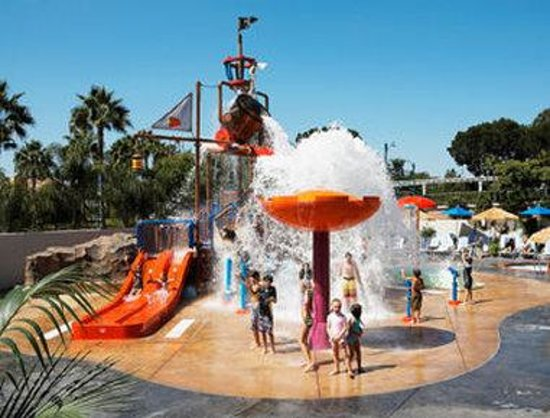 ‪‪Howard Johnson Anaheim Hotel and Water Playground‬: Cataway Overview‬