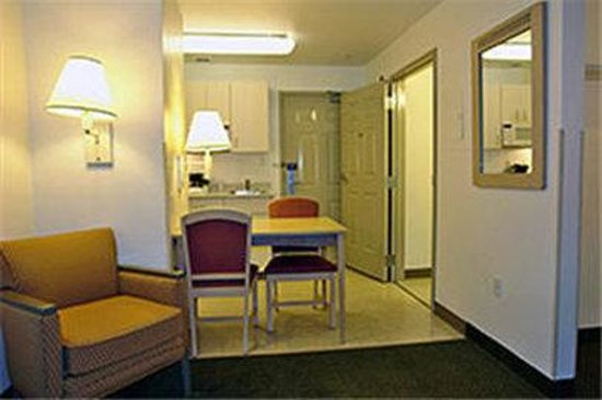 Motel 6 San Francisco - Belmont: MSuite
