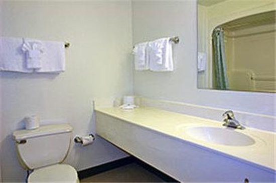 Motel 6 San Francisco - Belmont: MBathroom