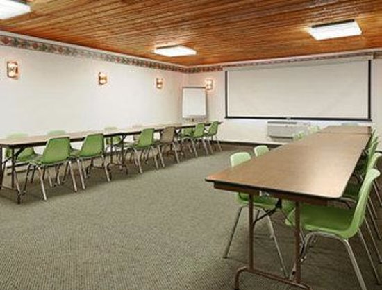 Atlantic, IA: Meeting Room