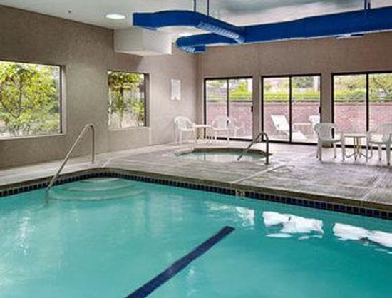 Super 8 Lacey/Olympia Area: Indoor Pool/Spa
