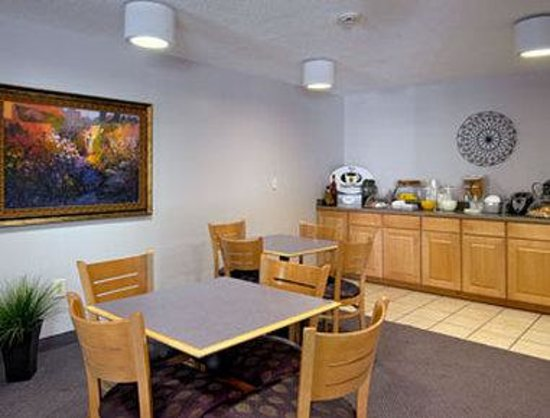 Super 8 D&#39;Iberville/Biloxi Area: Breakfast Area