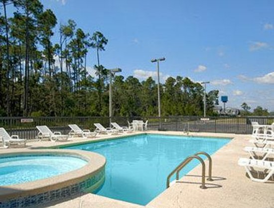 Super 8 D&#39;Iberville/Biloxi Area: Pool