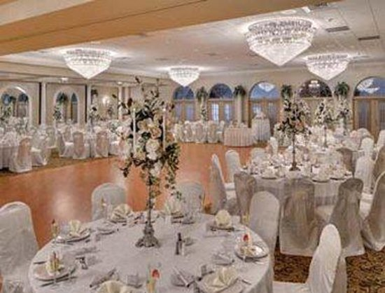 Toms River, NJ: Versailles Ballroom