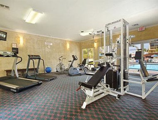 Ramada Plaza Beach Resort: Fitness Center