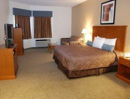 Phenix City, AL: King Suite Bed Room