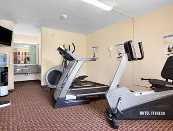 Ramada Hotel Wytheville: Fitness Center