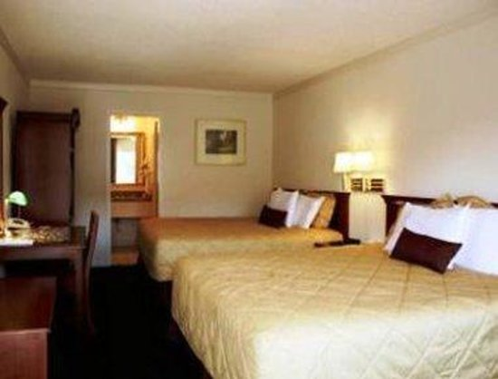 Ramada San Jose: Standard 2 Queen Bed Room