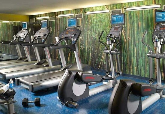 Fairfield Inn &amp; Suites Washington, DC / Downtown: Fitness Center