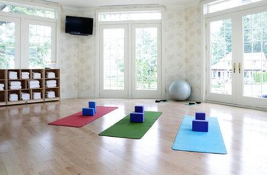 Madison, CT: Yoga Studio