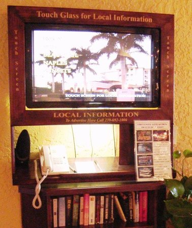 Inn of Naples: Kiosk in Lobby