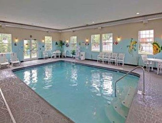 Hawthorn Suites by Wyndham Cincinnati: Pool