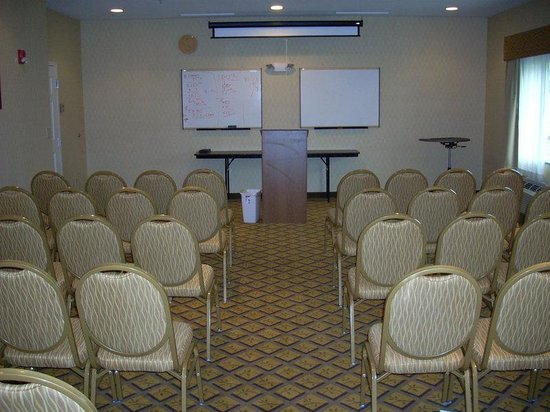 Candlewood Suites Windsor Locks: Theatre Style