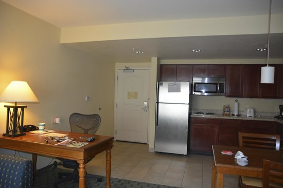 Homewood Suites by Hilton San Diego Airport - Liberty Station: Kitchen