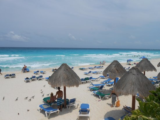 GR Solaris Cancun: LOVE THE BEACH