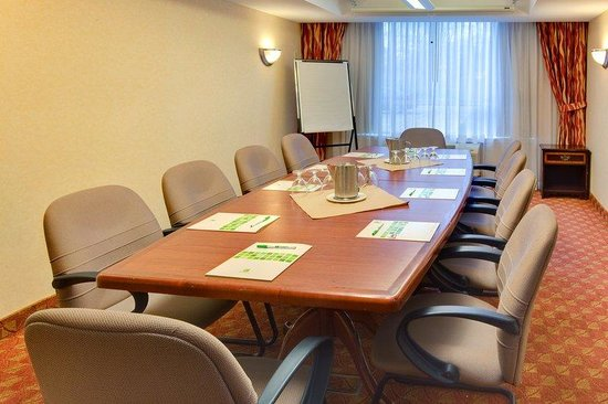 Sarnia, Canada: St. Clair Meeting Room up to 10ppl with natural light