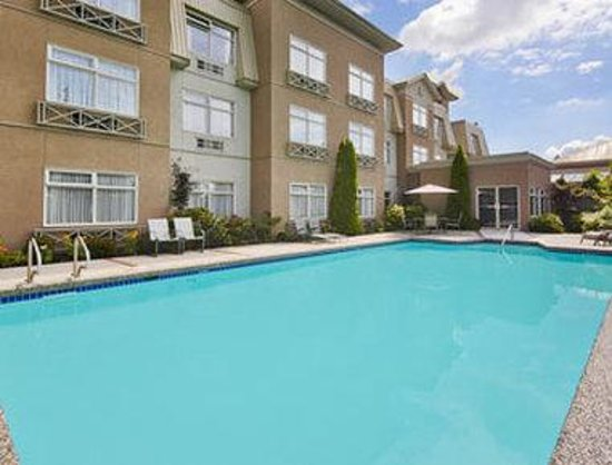 Pitt Meadows hotels