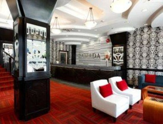 Ramada Inn and Suites - Downtown Vancouver: Lobby